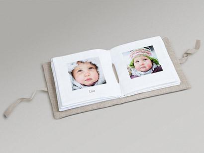 mjuk babybok i tyg fotobok f r barn photobox. Black Bedroom Furniture Sets. Home Design Ideas